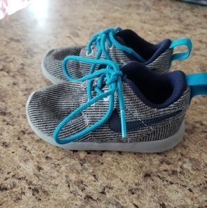 Used baby / toddler blue / gray Nike shoes